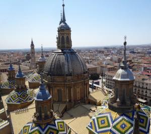 Le toit de la Cathedrale del Pilar vu de la Torre Vieja
