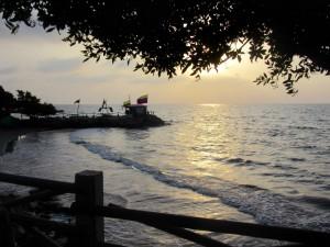 Coucher de soleil sur la plage de Tolu